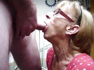 Granny Blowjob coupled with pay off