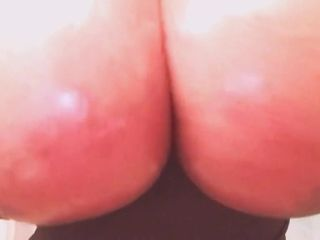 Ample tits (Big hooter paramours only)