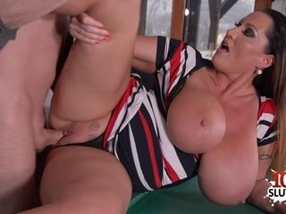 Huge-chested mummy gonzo hook-up
