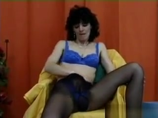 Wooly Mature chick wanks old school