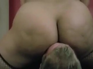 MADISON MONROE BRINKS GETS HER immense arse WORSHIPED BY HER victim UNTIL HE pops