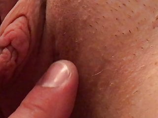Yummy clitoris have fun AND PULL... Tug cougar cootchie Lips