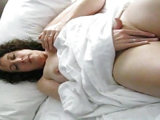 Gorgeous mature mommy frigging cooter