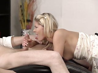 OLD4K. Mature fellow uses frigs to get ready chick's vulva for..