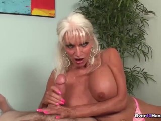 Decayed granny loves dicks