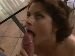 Gorgeous mommy cougar Getting banged