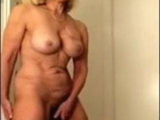 Mind-blowing grannie jizzing Using plaything