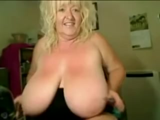 Spacious Titts Granny slag all directions thong camera R20