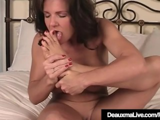 Texas milf Deauxma Gets bare & demonstrates Off Her Feet & feet