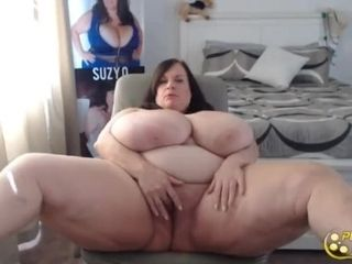 Posh mature queen Suzie with all all-natural gigantic udders