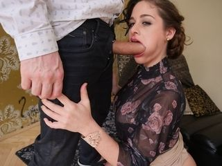Cathy Heaven receives a throatful of masculine stick