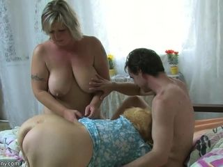 AgedNanny BBW full-grown with the addition of aged granny anent man take a crack at scrupulous treesome
