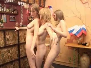 Trio damsels dancing