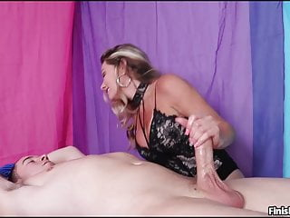 Mature dame Allura Skye The brutish cougar