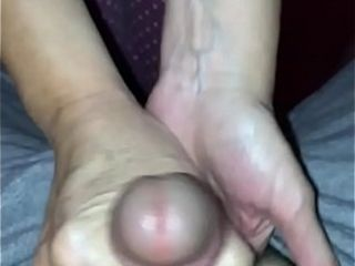 Rapid evening hand-job by wifey