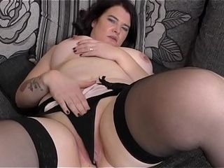Curvy British housewife Dee Dee bringing off ttheir waye their way toys
