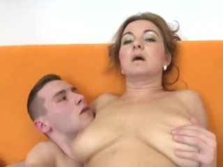 Steaming mature honey Jessica ravages a youthful man