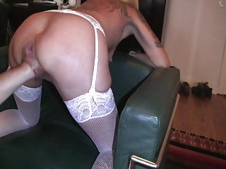 Another mature gets a supreme going knuckle deep