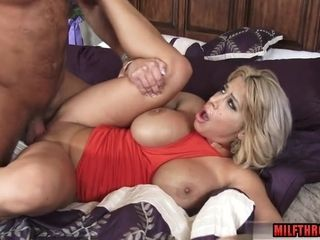 Banging big-titted mummy