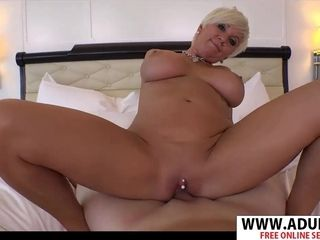New mommy In Law Maggie rails ginormous dick