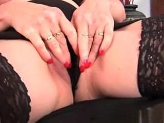 Granny close to chunky confidential have a fucks their way adorable full-grown pussy