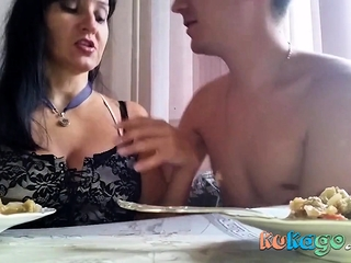 Russian mature mummy with her stud in the kitchen