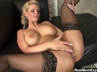 REALMOMEXPOSED bitchy cougar Phoenix Marie Gets Creampied