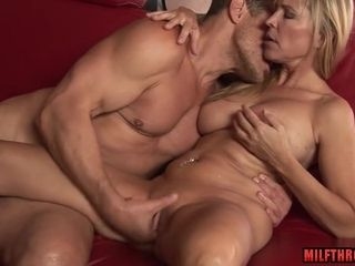 Naughty mom Spends Time With youthfull paramour