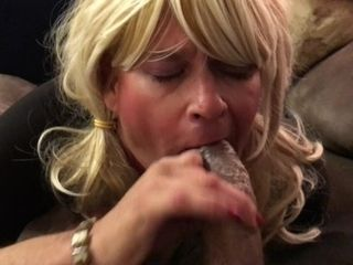 Sensuous fellate job on ample big black cock