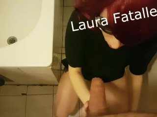 Mommy coupled with lassie Pissing the Ladies' Games( Don't recommend Daddy)-Laura Fatalle