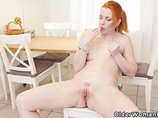 Euro milf Michelle Russo fingers will not hear of red-haired cunt