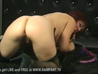 Wendy enjoys to use a faux-cock on uncontrollable TV