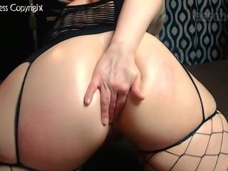 Phat ass white girl sits astride A big black cock Until She Gets Creampied