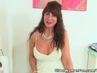 Scottish cougar Toni Lace romps a cucumber in shower