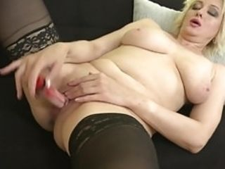 Matured female parent close by saggy special feeding pussy