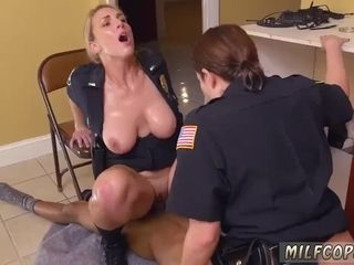 Cougar booty unclothe first-ever time dark-hued masculine squatting in home gets our mother