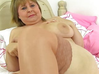 Mature huge-boobed congenital mommy Alexa from UK