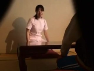 Shafting An clumsy Japanese rub-down therapeutist (English Subtitle)