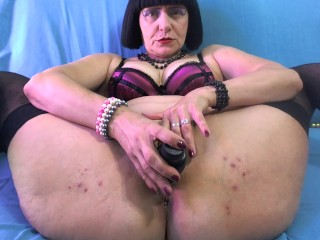 Ultra-kinky cougar dump fat and take it deep in the bootie!