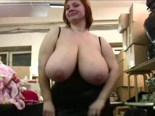 Edible cougar anna 1