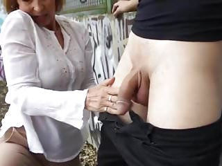 Granny coupled with house-servant - 22