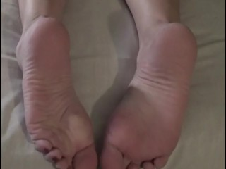 Pepper Bane - puckered feet and Feet