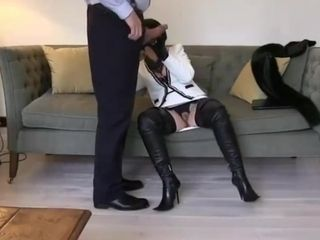 Smoking leather cougar in hip shoes fellates and drills