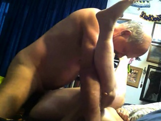 Unmitigatedly age-old hookup crude granny gives blowjob