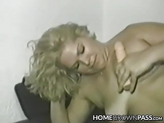 Mature vixen cravingly plunging enormous fuck stick in every fuckhole