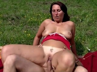 Huge-boobed Mature enjoy Outdoor shag