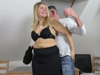 GERMAN wooly cougar ANS stocking drilled AND facial cumshot BY junior