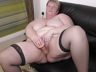 Chubby fat adult mommy wants your load of shit