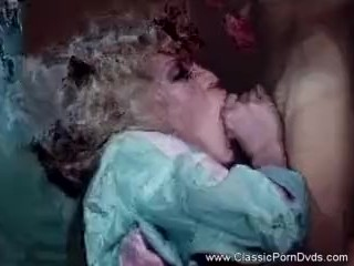 Comme ci Housewife non-native 1977 Gets Fucked