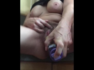 Wifey ducks her fur covered vulva on the kitchen counter